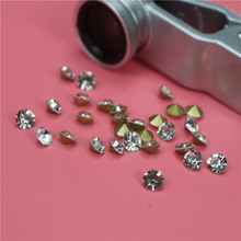 Top quality Wholesale clear 5mm crystal point back rhinestones for bags shoes