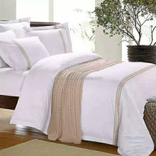 Luxury hotel bedding set embroidery logo 100% pure white quilt four sets