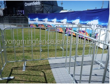 Metal crowd control barrier / road safety barrier