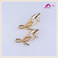 Charming Gold Metal Leaf Shape Pearl & Crystal Decorative Brooch For Wedding Invitations Jewelry