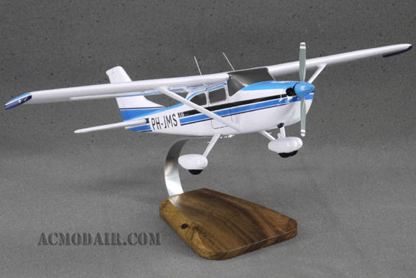 Cessna 182Q Custom Made