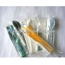 Disposable plastic travel cutlery case