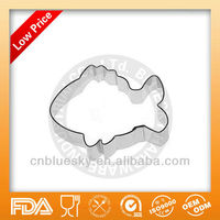 Cake decorating fish cookie cutters