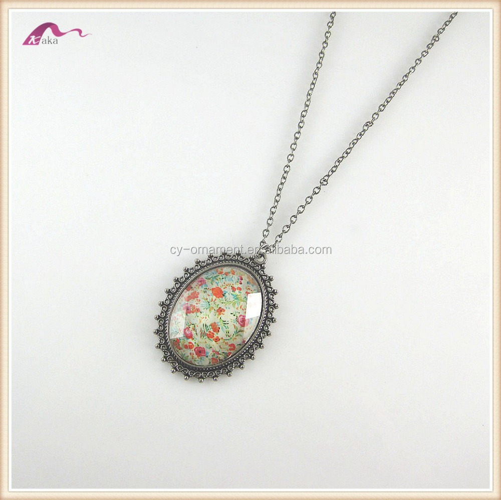 Fashionable Big Pendant Necklace Custom Jewelry For Women