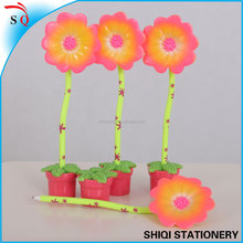 Cut sunflower shape table ball pen with pot