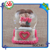SGC141 A Lover Kiss Resin Snow Globe, Snow Globe Kit