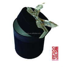 Luxury leather paper round flower box