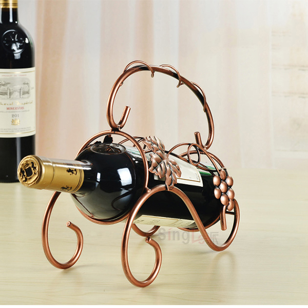 Kitchen barware iron guitar shape wine rack
