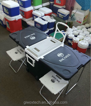 Foldable plastic cooler box with legs