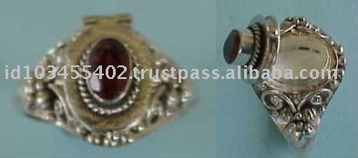 Ornamental Bali type of poison ring with gemstone