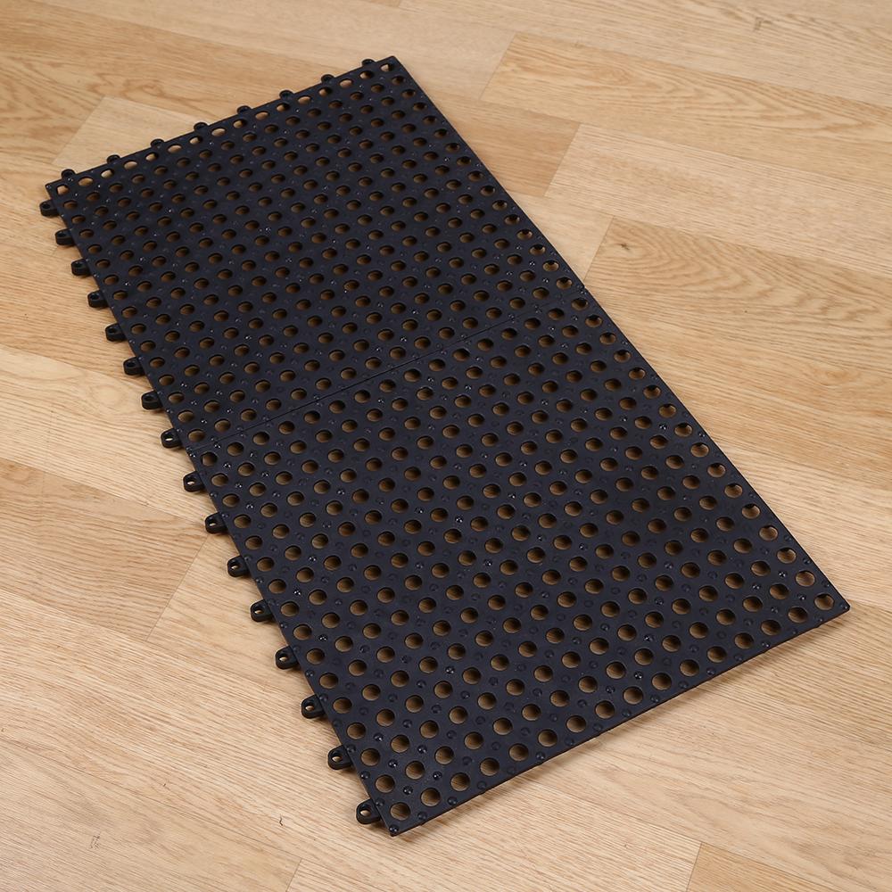 Pool bathroom floor mats for Pool bathroom flooring