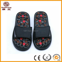 Shoes for massage therapists with magnet massage head