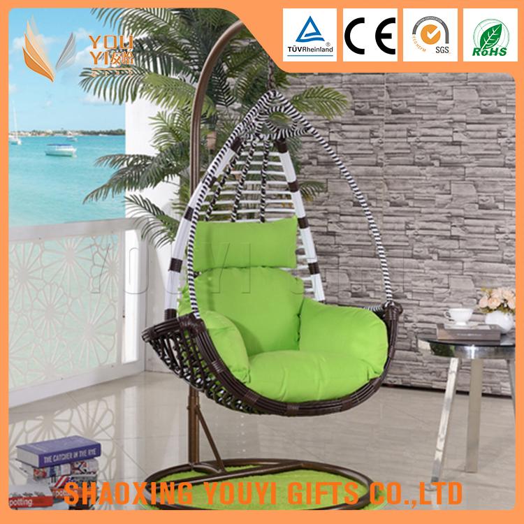 Muebles de mimbre al aire libre colgando utiliza silla del for Silla huevo precio