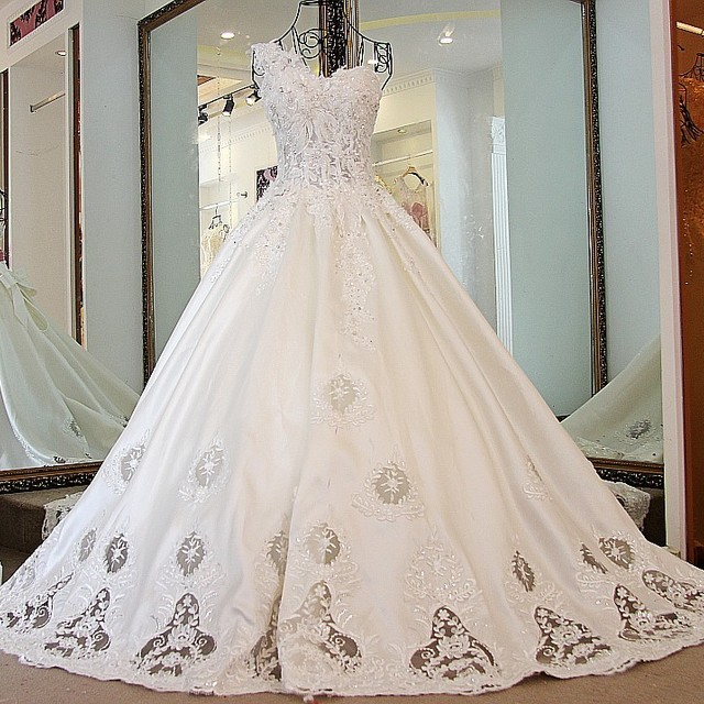 cathedral style wedding dress_Yuanwenjun.com