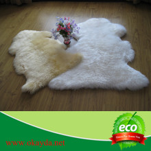 Natural by okayda brands New Zealand Sheepskin Rug