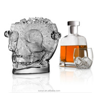 China Manufacturer Skull of Doom Glass Ice Bucket