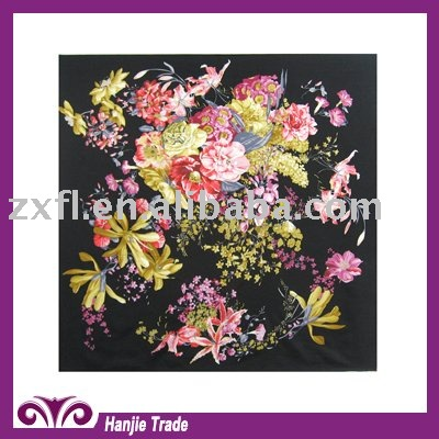 Fashion Twill Square Silk with Flower Design for Ladies