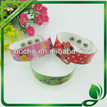 customized wristband for child