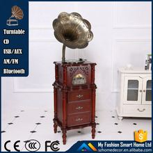 Durable old wooden gramophone record player with HD AM FM radio