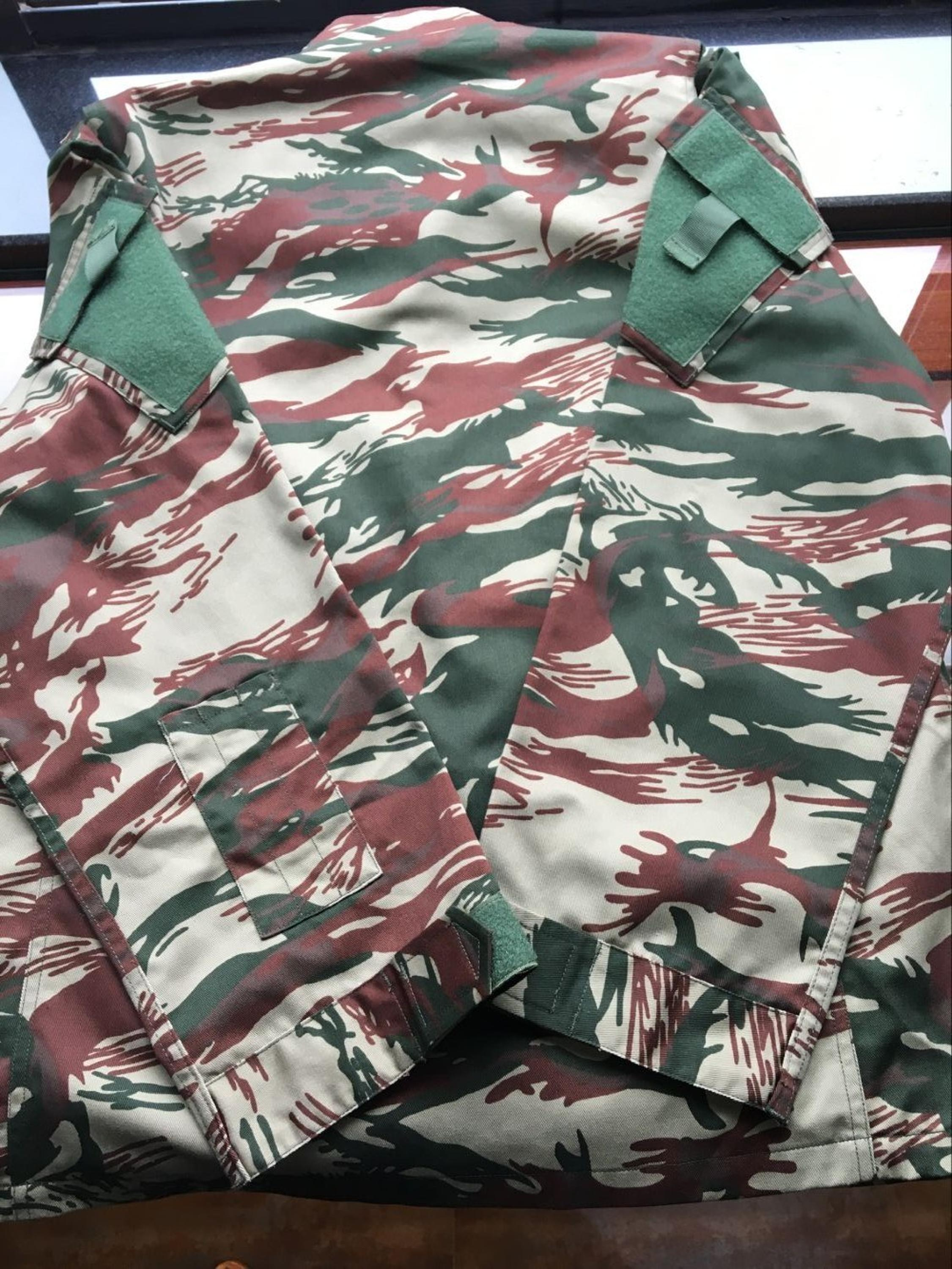 Popular lizard camouflage military uniform