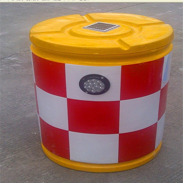 Wholesale reflective anticollision solar fiberglass traffic barrel