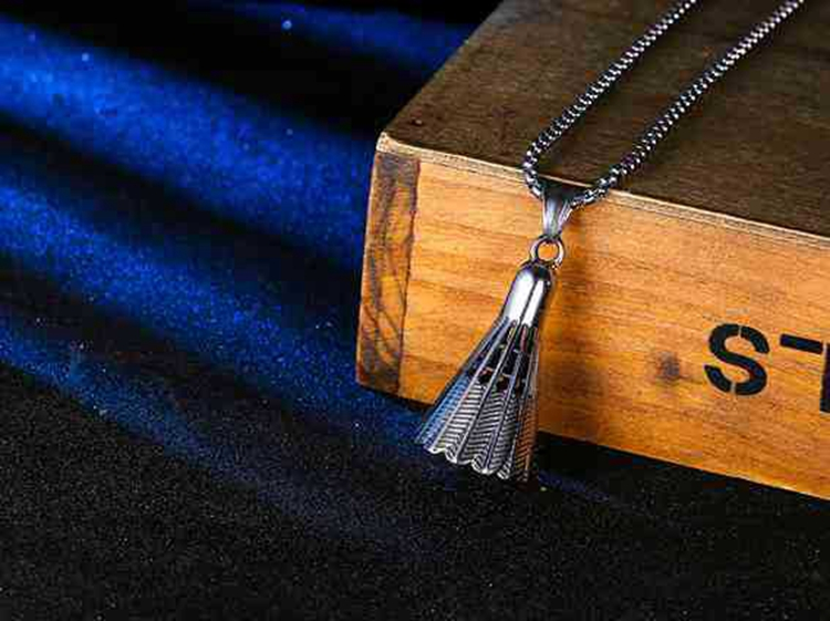 Unisex Antique Style Stainless Steel Badminton Shaped Sports Necklace Wholesale
