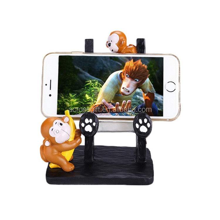Hot Sale Personalized Handmade Color Painted Decorative Poly Resin Monkeys Desktop Cell Phone Holder
