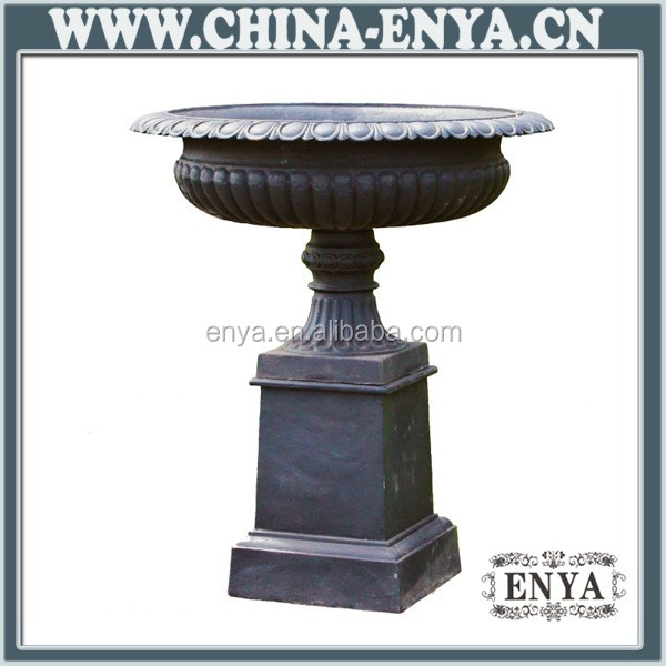Factory Direct Ornamental Large Urn