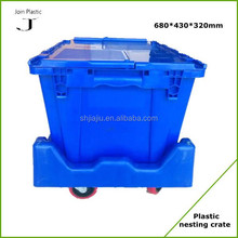Large stackable plastic storage container with lids for fruit and vegetable