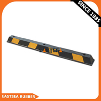 Australia hot sale Road Safety Product:Black & Yellow 1.65 Meter Rubber Parking Curb