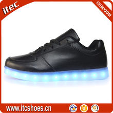 2016 manufacturer wholesale dropshipping couples USB charging LED light shoes