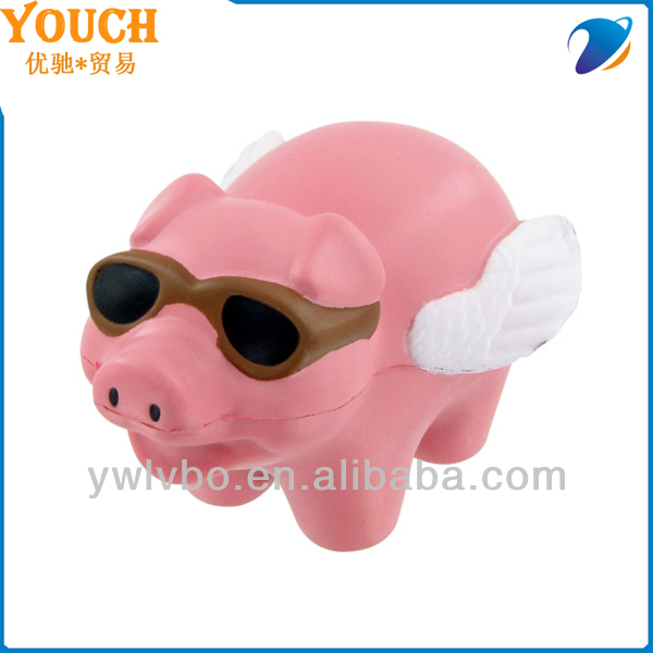Cheap toy supplier lover Animal stress Balls food Pu toy Flying pink Pig Stress Ball