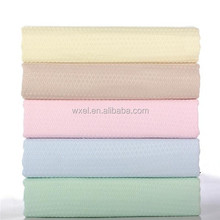 Wholesale high water magnet microfiber drying towel with waffle weave design for car cleaning