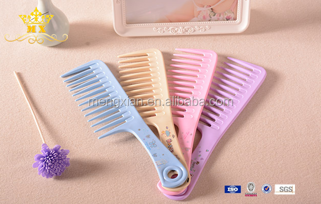 Durable large plastic curly hair comb with wide tooth