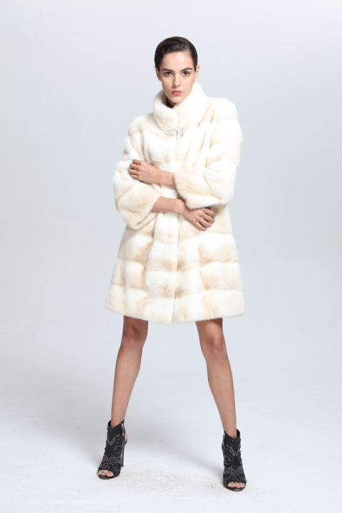 Long type fashionable Women warm real mink fur coat