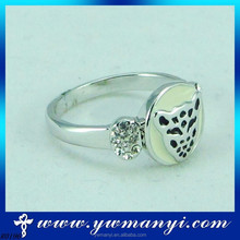 Hot selling animal shape diamond leopard value silver ring with wholesale R0196