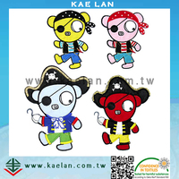 Cartoon Pirate embroidery patch, customized applique bear sew-on patch
