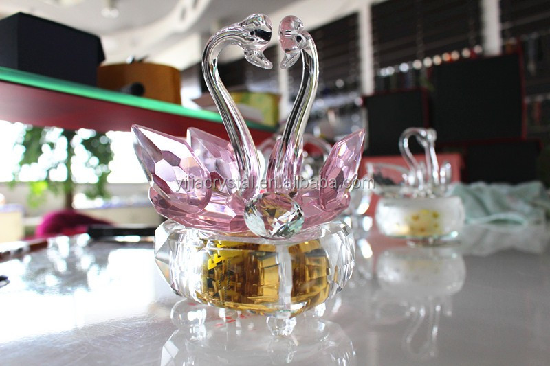 hot seller high quality lovely table decoration couple crystal swan for wedding gift