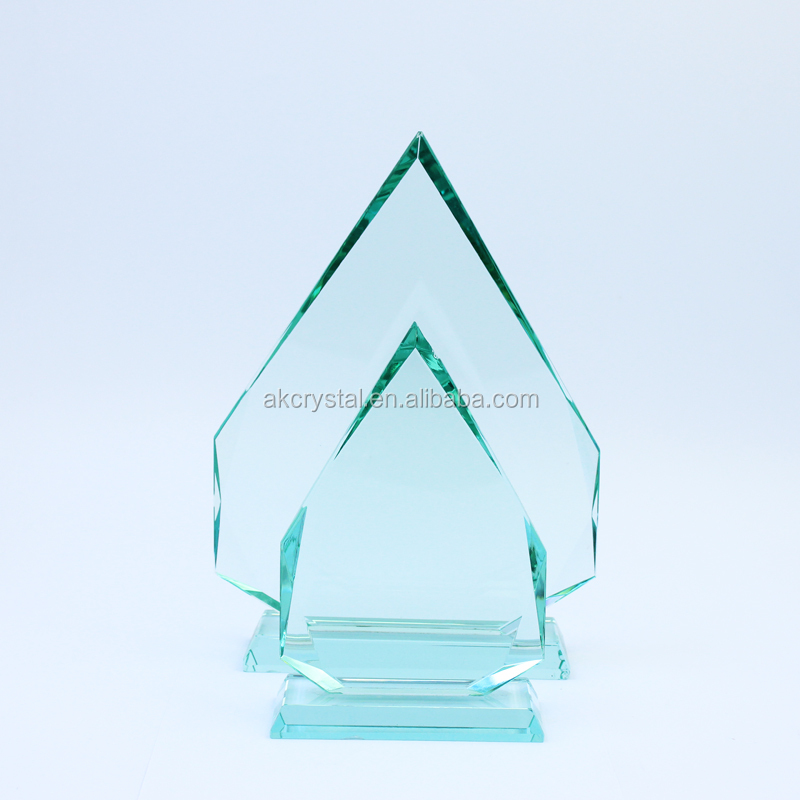 Factory direct sell mountain shape glass trophy jade awards with good offer