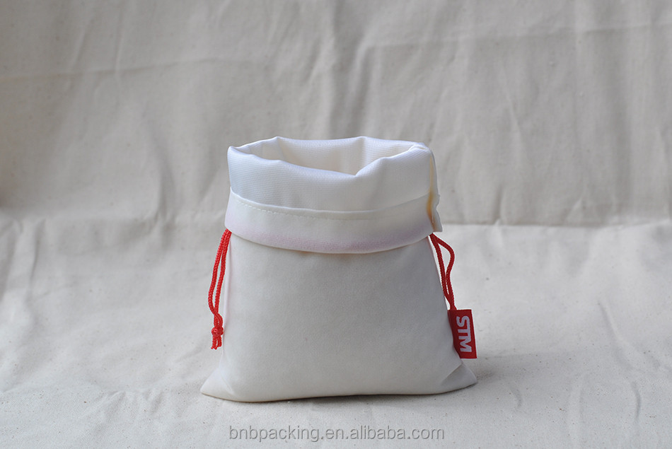 Small White Unprinted Velvet Cloth Jewelry Pouches Bags with Red Drawstring Pen Gift Packing Bags