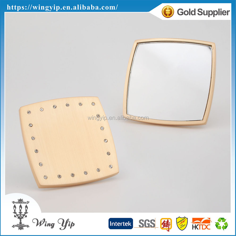 OEM and ODM trendy Free sample Wedding return gift Crystalized Square Metal Pocket Compact Mirror