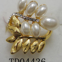 Rani Haar Leaf With Pearl Engagement