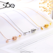 Dot&line solid clover shape hollow roller elements pendant necklace
