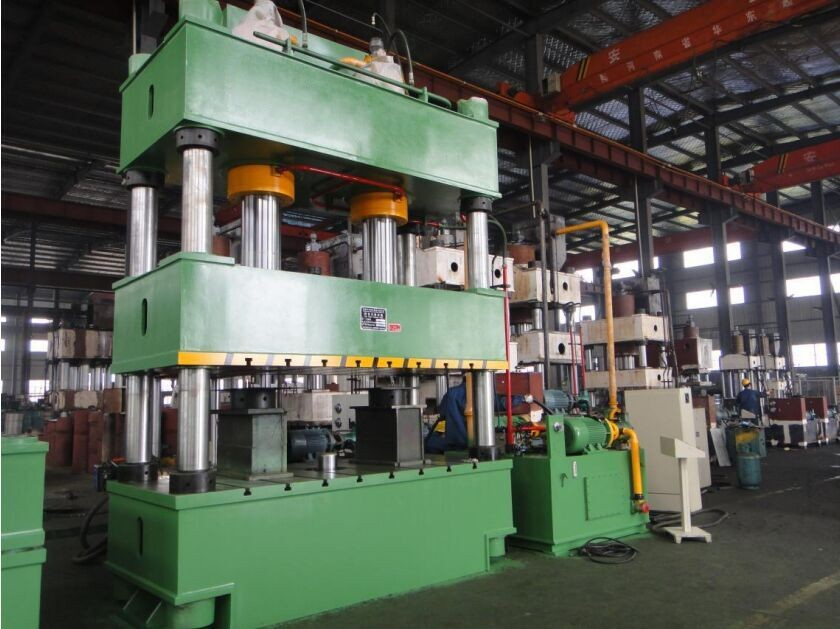 Y32 series 4 four column 2000 ton hydraulic press
