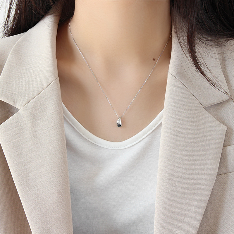 Simple women's sterling silver water drop pendant necklace