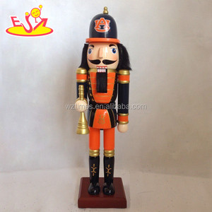 wholesale new europe style wooden nutcracker figurines for children W02A080