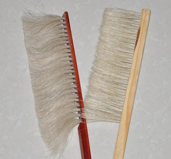 2015 hot sell single row bee brush horse brush beehive tool cleaning tools