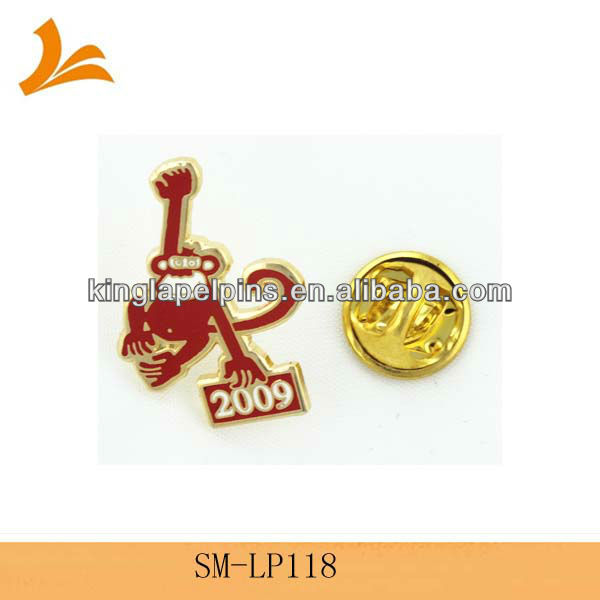 SM-LP118 monkey shaped etched enamel and gold plated lapel pins