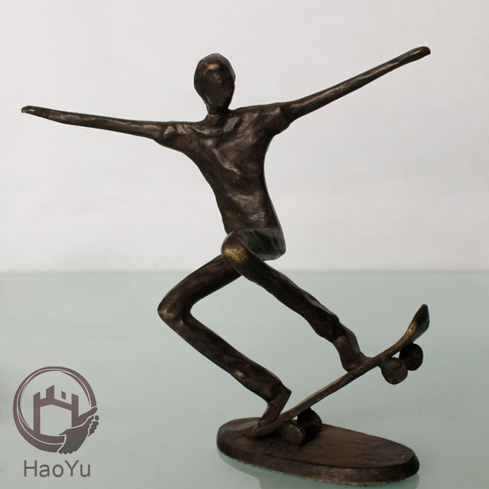 cast iron bronze sculpture for home decoration The skateboard figurines