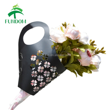 Yiwu fawctory wholesale cheap easy use flat pack die cut handle rose gift box for take away